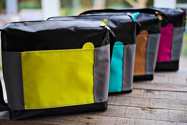 Tasche in unterschiedlichen Farben